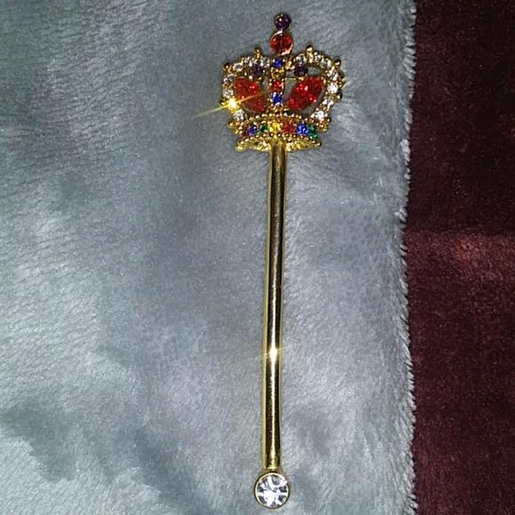 xxx Jewelry - Crown crystal pin